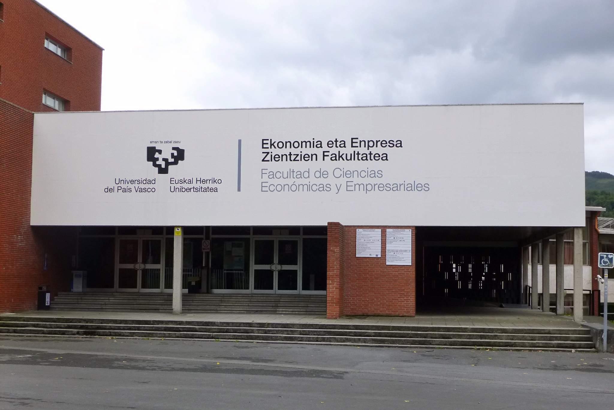 Bilbao_-_Facultad_de_Ciencias_Económicas_y_Empresariales_de_la_UPV-EHU_(Sarriko)_2