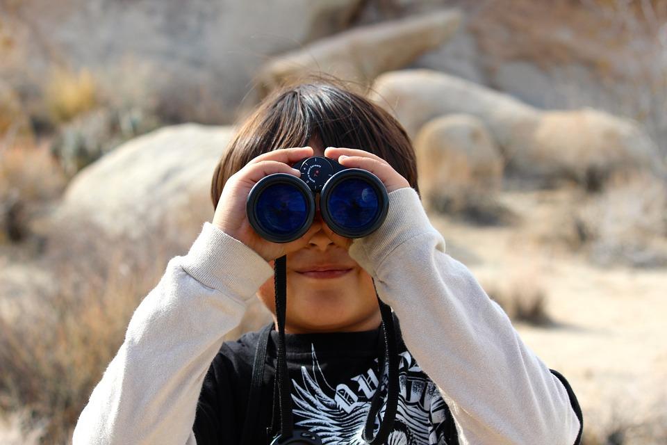 binoculars-100590_960_720