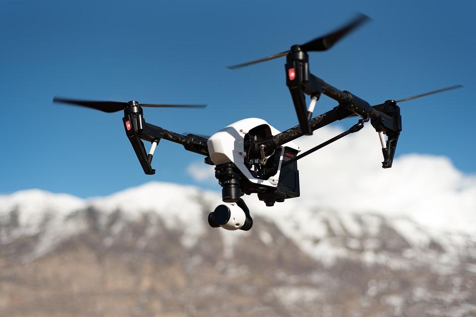 drone-1245980_960_720