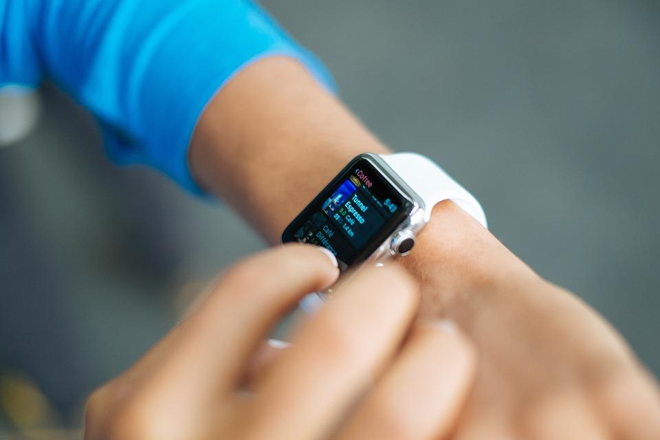 smart-watch-821565_960_720