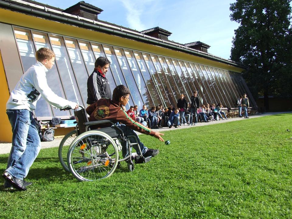 wheelchair-538138_960_720 (1)